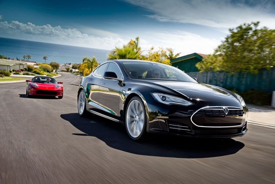 Tesla autopilot mode announced with Version 7