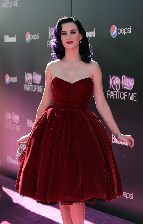 Katy Perry in Pop Corn Dress and Film Reel Bra in Premiere of Katy ...
