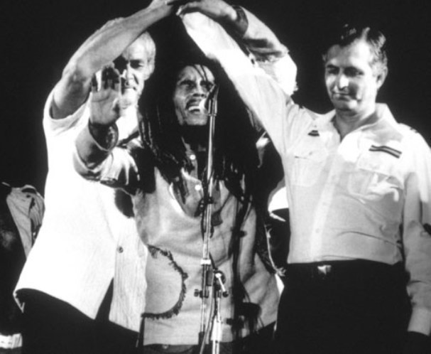 Singer Bob Marley joined tha hands of rivals  Michael Manley and Edward Seaga