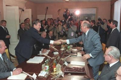 Former U.S. President Ronald Reagan and Soviet Premier Mikhail Gorbache