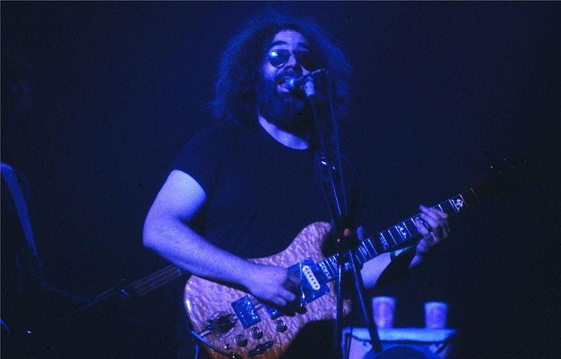 """Jerry Garcia's """"Lucky Number 13"""" Personal Guitar Fetched £39854 at Memorabilia Auction"""