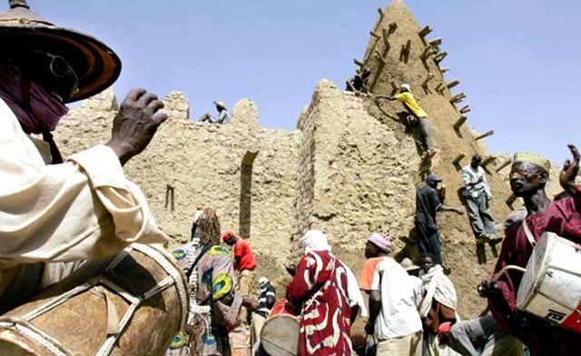Hard-line Islamists, who have occupied the whole of northern Mali, have in two days armed with Kalashnikovs and pick-axes, smashed seven ancient tombs in Timbuktu, Reuters