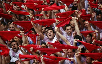 Red crowds