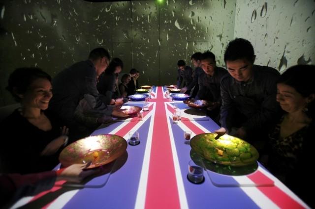 Avant Garde Ultraviolet Restaurant That Serves 10 Guests A