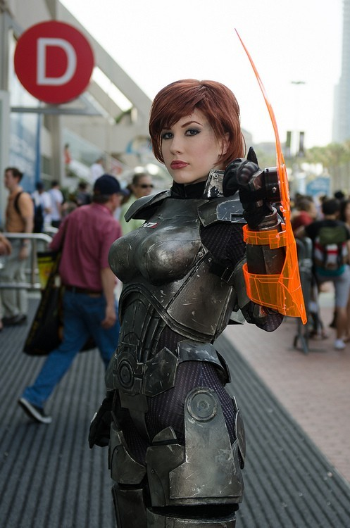 Mass Effect Comic-Con 2012 Costumes Ravishing Female Commander Shepard Cosplay and Other ME Characters PHOTOS