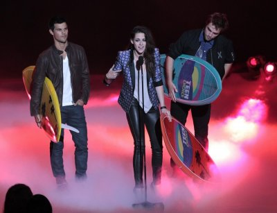 Stewart speaks as she accepts the Ultimate Choice Award at the 2012 Teen Choice Awards in Universal City