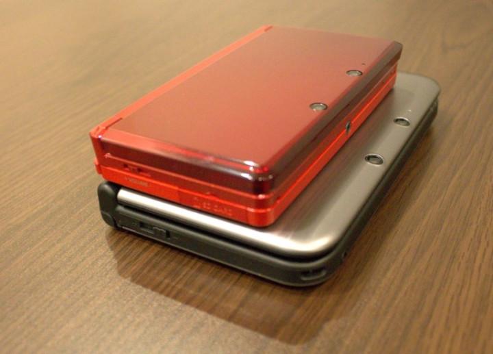 Nintendo 3ds XL review comparison on top
