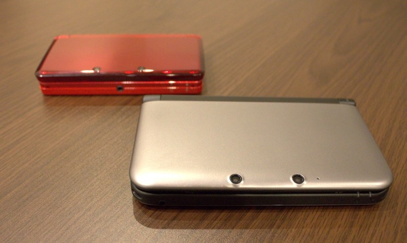 Nintendo 3ds XL review comparison behind