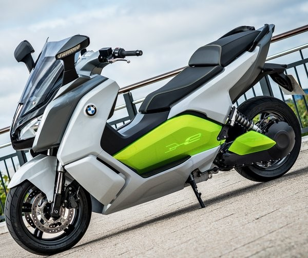 2012 London Olympics: BMW to Test-Ride C Evolution Electric-Scooter Prototype in UK [VIDEOS]