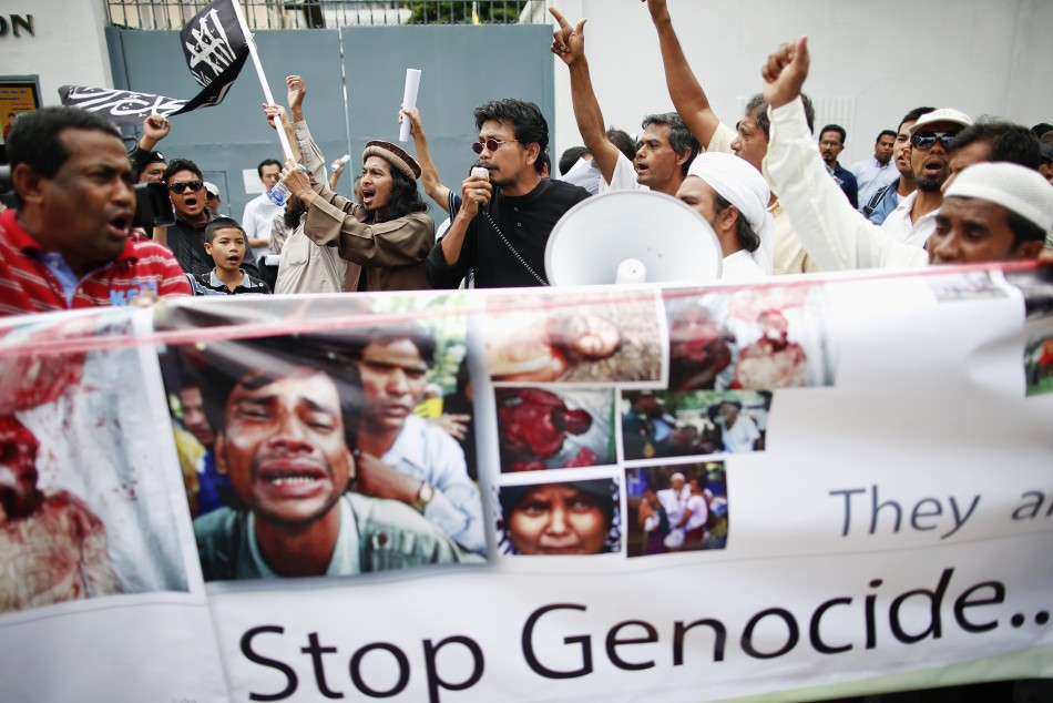 Muslims protest in front of Myanmar's embassy in Bangkok (Reuters)