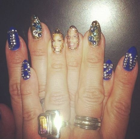 Beyonce posted a picture of nail portraits of herself and Jay-Z on her Tumblr page.