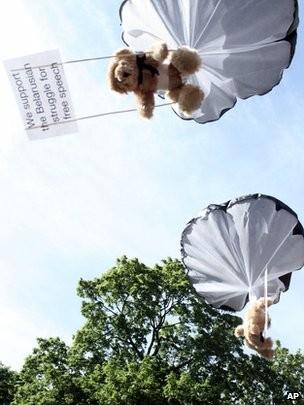 Teddy Bear Paratroopers