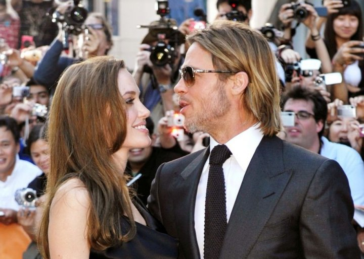 Hollywood power couple  Brad Pitt and Angelina Jolie have sparked speculation of getting married at their French house this weekend