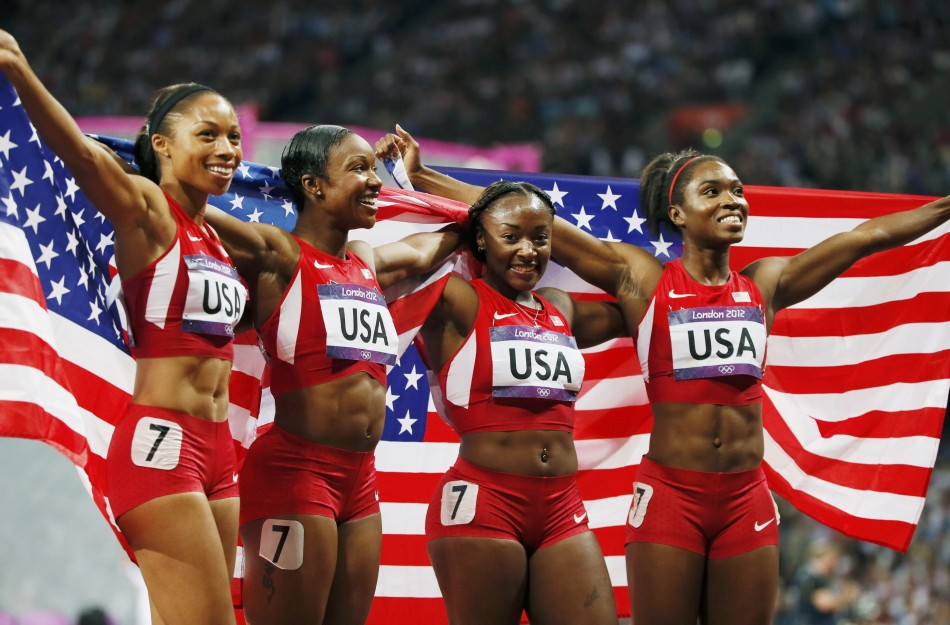 United States win women's 4x100m relay final