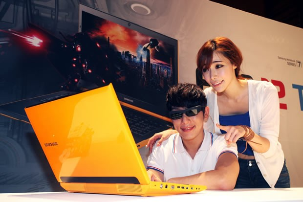 3D laptops hit shelves tomorrow