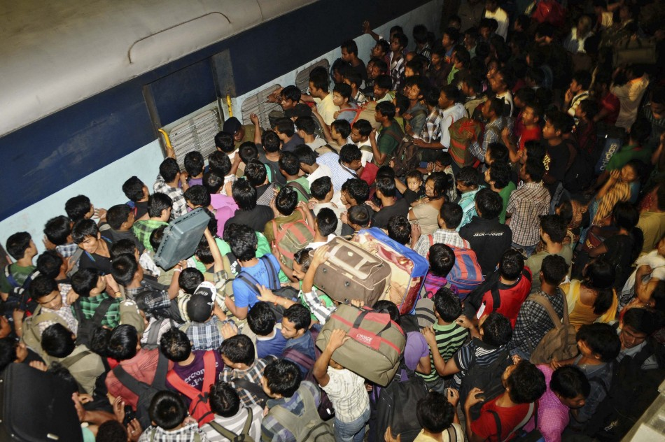 Thousands Flee Bangalore