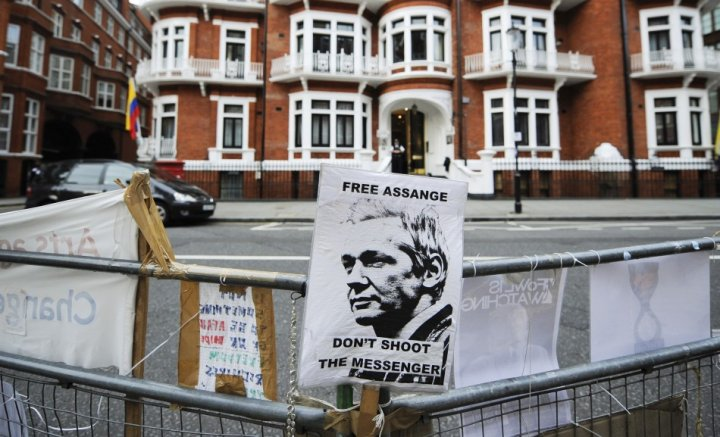 Assange standoff