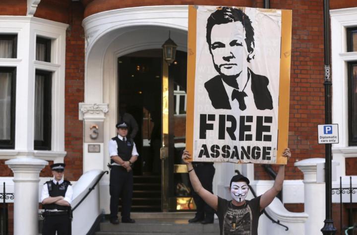 Julian Assange to Address World Media