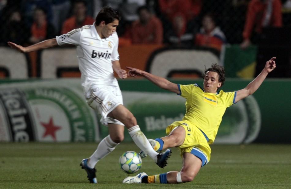 Real Madrid's Nuri Sahin (L)