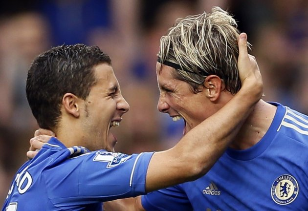 Chelsea's Eden Hazard and Fernando Torres (R)