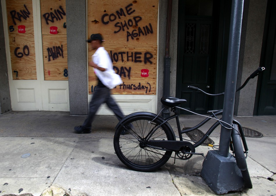 New Orleans battens down the hatches as Tropical Storm Isaac approaches