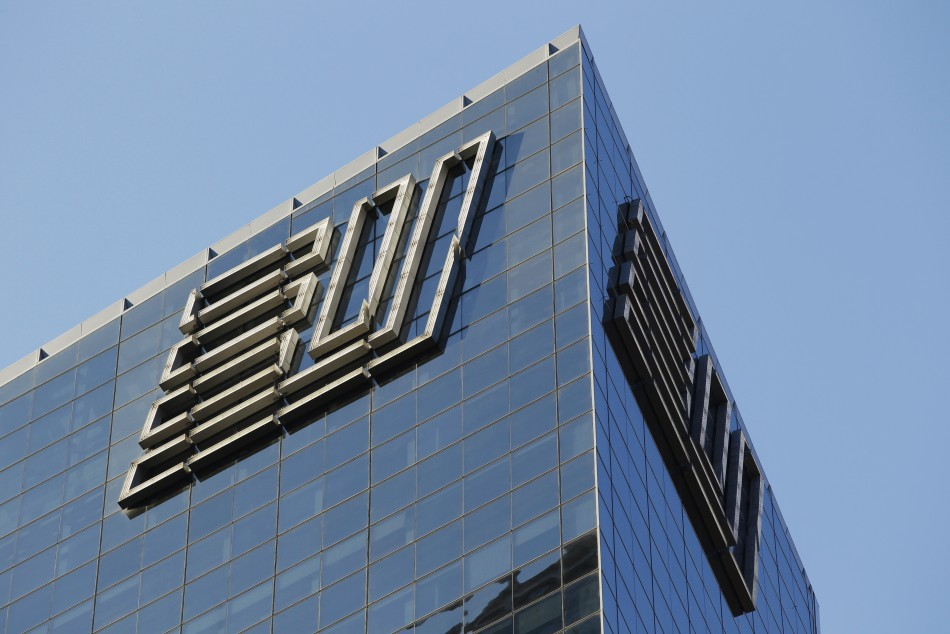Ernst & Young to pay