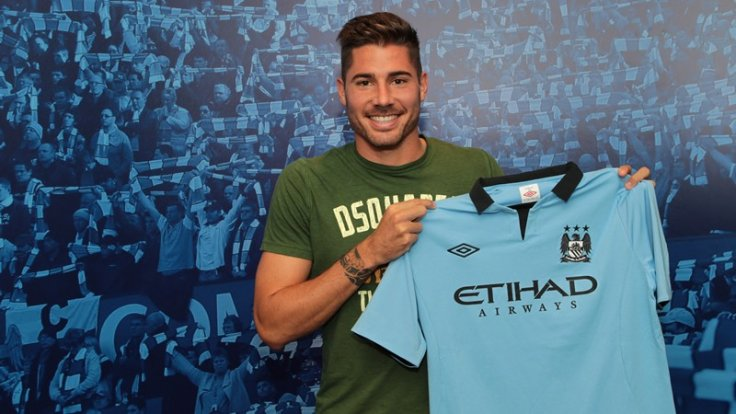 Javi Garcia Signs from Benfica