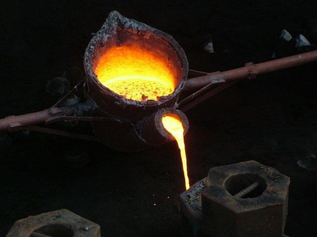 India's manufacturing falls in August