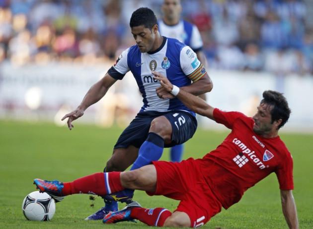 FC Porto's Hulk (L)