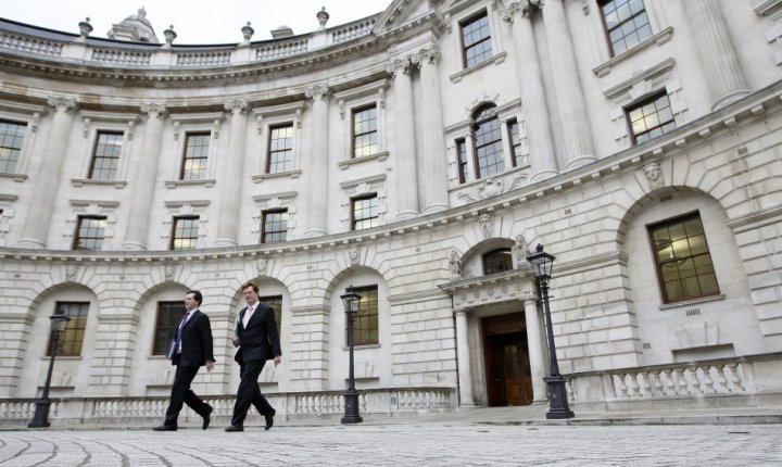 UK treasury misselling derivatives