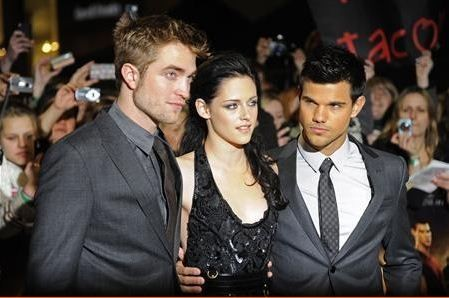 Actors Robert Pattinson (L), Kristen Stewart (C) and Taylor Lautner
