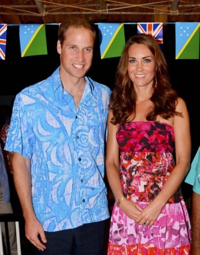 William and Kate in Traditional Dresses in Solomon Islands