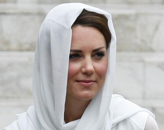Duchess dresses modestly on Asia tour