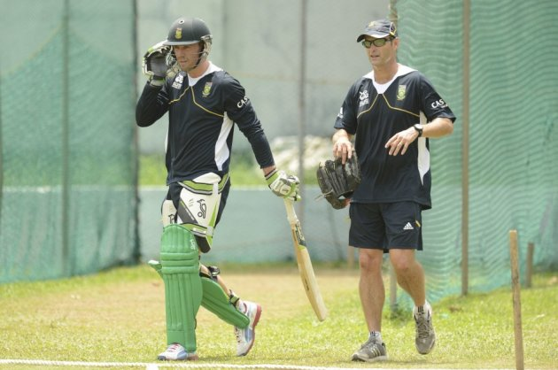 Gary Kirsten (R) and AB de Villiers