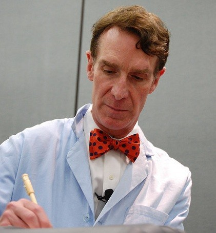 Bill Nye The Science Guy Not Dead, Despite Twitter Rumors [VIDEO]