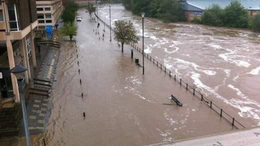 The River Wear burst its banks in Durham (@RichardCarter)