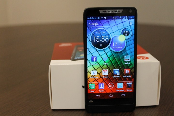 Motorola RAZR i users can now use Chrome for Android.