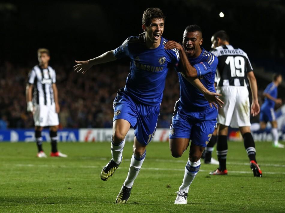 Chelsea Midfielder Oscar (L)