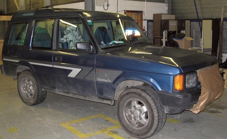 The Land Rover Discovery has the registration L503 MEP (Dyfed Powys Police)