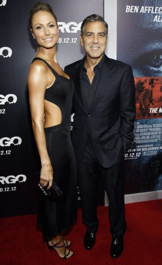 Clooney and Keibler attend the premiere of
