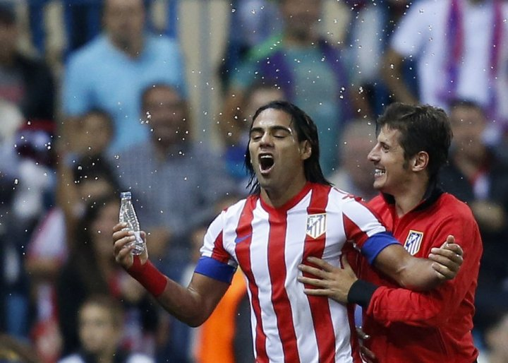 Radamel Falcao (L)