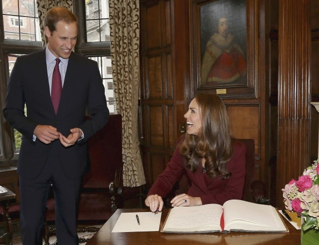 All Smiles Kate Middleton Attends First London Affair Afresh Since Topless Row