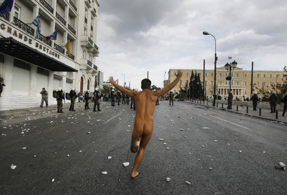 Naked rally