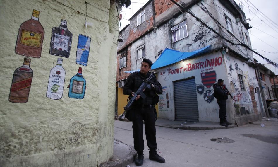 Manguinhos' deserted streets
