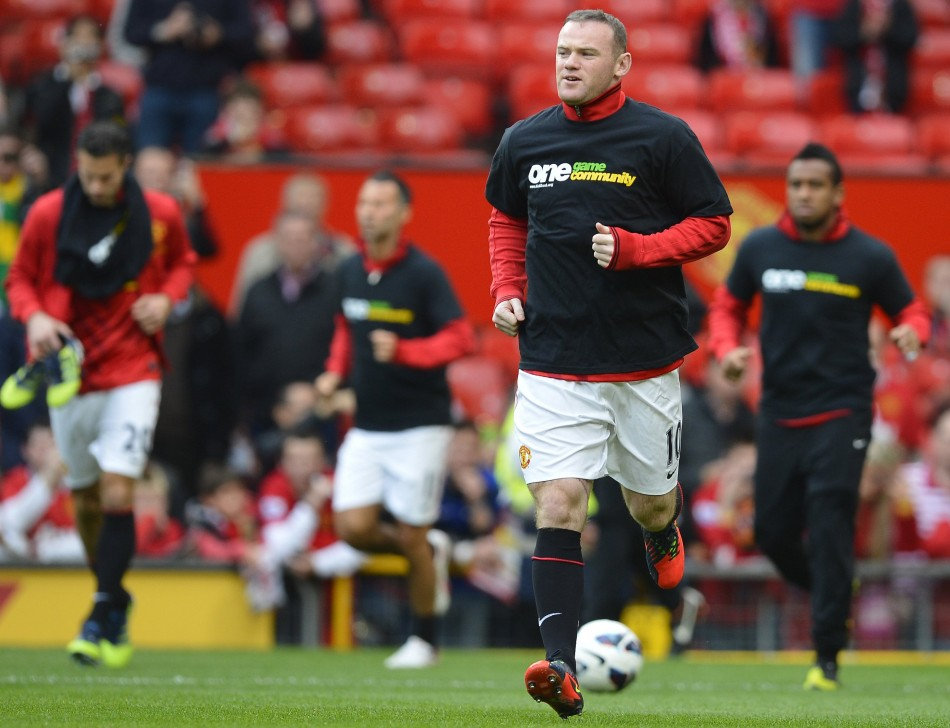 Manchester United Players Wearing Kick It Out T-Shirts