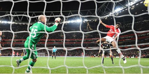 Abou Diaby scores the winner for Arsenal at Emirates,February 11, 2010