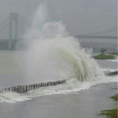Sandy barricade