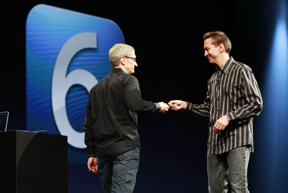 Tim Cook Scott Forstall