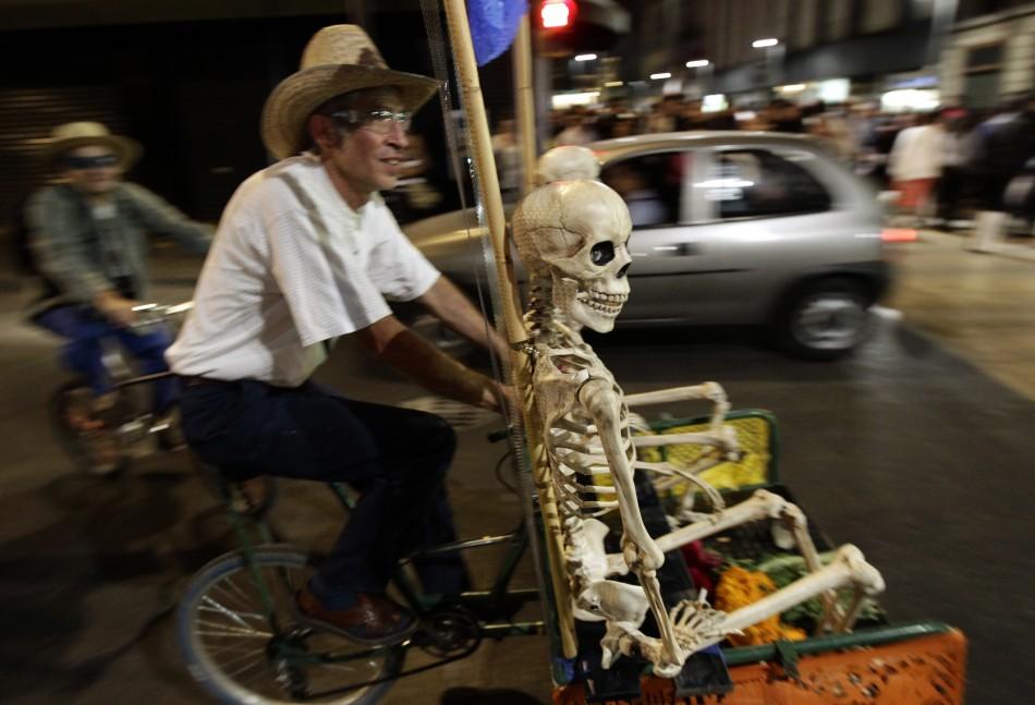 Skeleton passenger