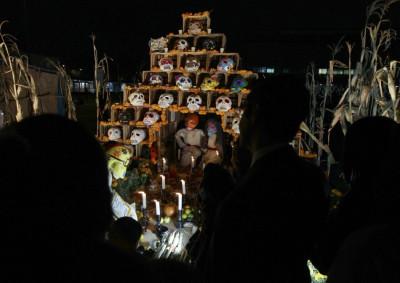 Skulls pyramid